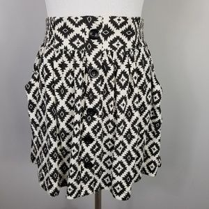 TWENTYONE Black White Aztec Mini Skirt Pockets M